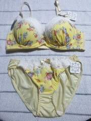 新品 ブラショーツセット(C75・M)なちゅ盛り黄色×花柄・白レース