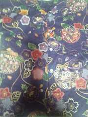 ☆新品濃紫麻葉×牡丹金彩花束大鞠和柄ダボシャツ140