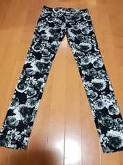 ◆ボタニカル柄パンツ◆