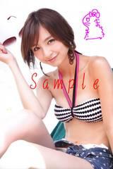【送料無料】 AKB篠田麻里子 写真5枚セット<サイン入> 32