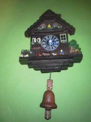 木製小さな鳩時計扉開きません