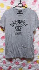美品 メンズTシャツ(L)グレー×英字・王冠