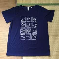 大きいサイズ3L・ネイビー猫キャラクタープリントTシャツ。