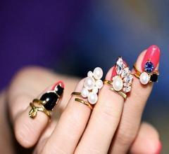 高評価●おしゃれ! ネイルリング 爪の指輪 4本セット