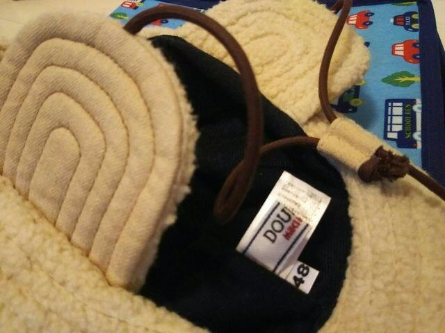 ミキハウス★48 ダブルビー モコモコニット裏地 耳当て付き帽子 < ブランドの