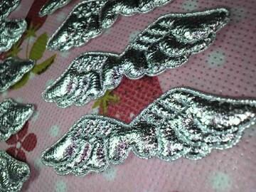 天使の羽根モチーフ銀色クリスマスデコに10枚・中