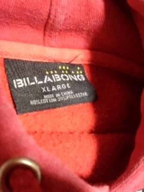 ビラボン パーカー XL < ブランドの
