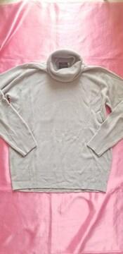 ★グレーふんわり柔らか軽くて暖か♪タートル長袖ニットセーター