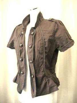 【クローズアップ】ダークブランのジャケットです