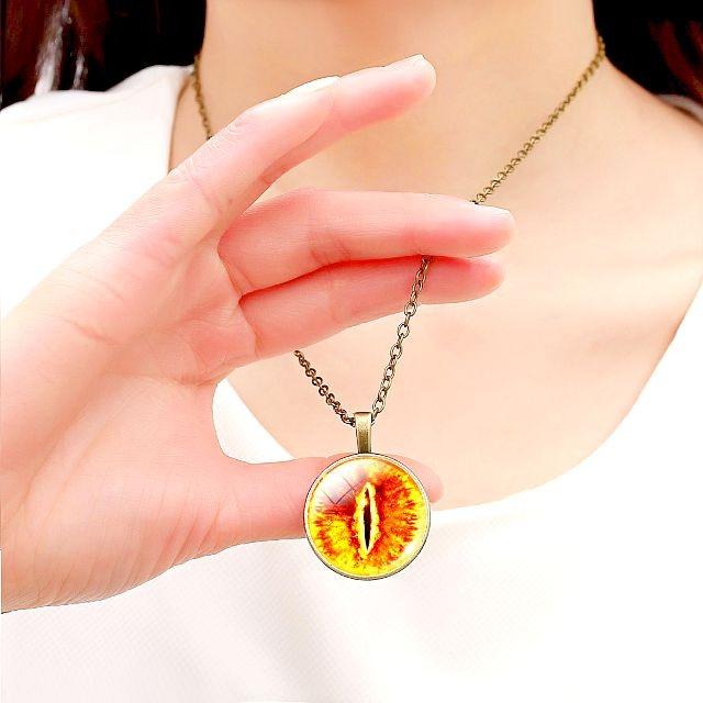 新品1円〜★送料無料★ 竜の目 ドラゴンアイ 翠玉エメラルド シルバーネックレス