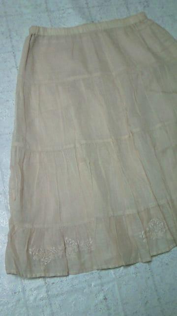 新品NEXT DOORアクアガールaquagirlすそ花柄刺繍スカート定価13000円  < ブランドの