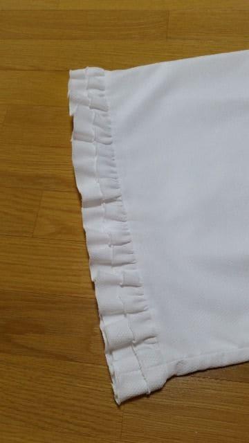 鈴丹(SUZUTAN)リボン付きフリルワンピース 白 M < 女性ファッションの