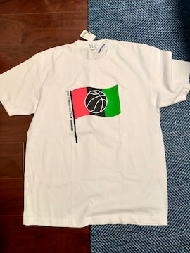 Undefeated Tシャツ