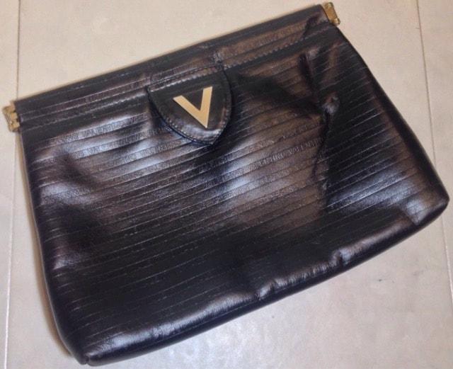 バレンチノ全面ブランドロゴ革レザークラッチハンドバッグ女性鞄  < ブランドの