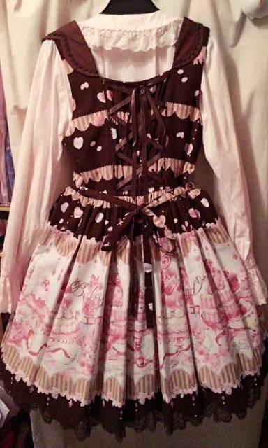 くまくみゃちゃんは小さなお菓子職人のジャンパースカート☆新品 < ブランドの