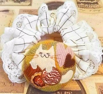 ハンドメイド*・゚クッキー大好きっ☆猫のマカロンクッションシュシュ♪