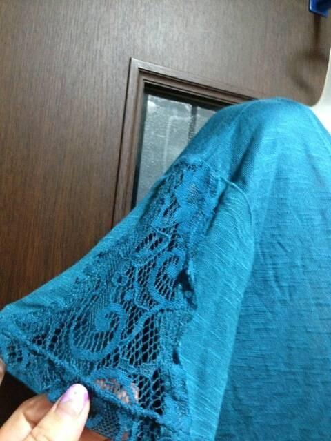 新品L~LL★H&M★レーヨンカットソー/袖と裾レース/ブルー < ブランドの