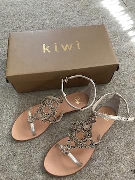 kiwi/ビーズゴールドサンダル未使用spick&span