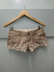 LIZ LISA☆裾刺繍ショーパン
