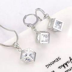 ◇セット品 キューブ ダイアモンド ネックレスピアス 新品