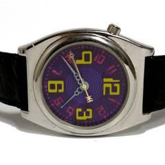 良品【980円〜】Deep レトロ感のあるトイ風 メンズ腕時計