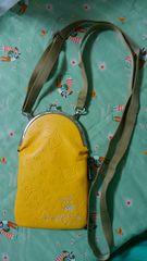 ドラッグストアーズ黄色のがま口ポシェット新品