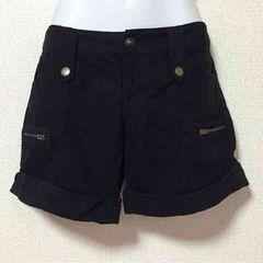 【61】ジップ飾付裾折返しブラックショーパン