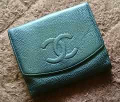 CHANEL シャネル 二つおり財布 キャビアスキン 正規品