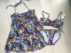 新品タグ付エメフィール花柄フラワー水着ビキニ紫ワンピース付3点セットバンドゥ