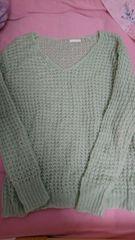 即決☆MサイズGUエメラルドグリーンのふわふわニットセーター