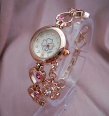 クローバーブレスウォッチPG-腕時計