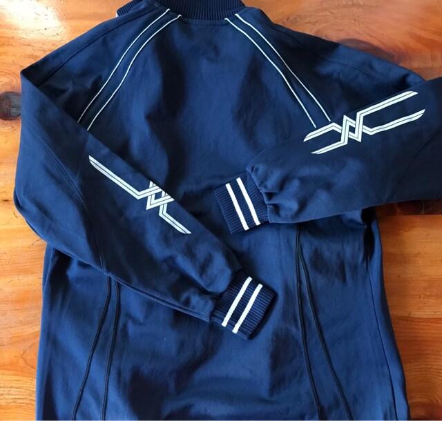 トレーリング 新品未使用 ミズノ 女性 Mizunoジヤケット紺色 < ブランドの