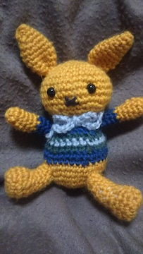 手編みのあみぐるみ、オレンジウサギ