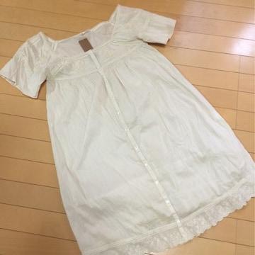 新品◆ikka◆スカラップ刺繍レース◆半袖コットンワンピースM