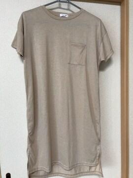 ☆新品未使用☆半袖裾スリット入りロングTシャツM