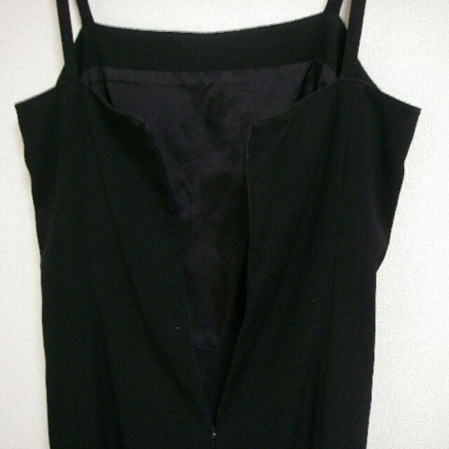 J&R シンプル ブラック キャミワンピース M < 女性ファッションの